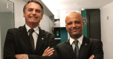 Projeto Deputado Vitor Hugo