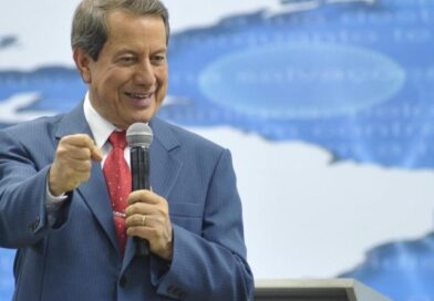 Juíza manda Band Rio reduzir tempo de igrejas na grade da TV