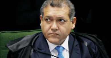 Os ministros Nunes Marques e Dias Toffoli votaram pela liberação de missas e cultos
