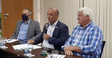 Deputado Vitor Hugo ressalta a importância do agronegócio em participação da Assembleia da Aprosoja Brasil, em Brasília