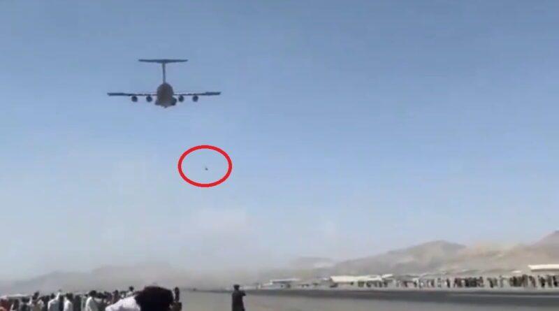 Vídeo Capta Pessoas Caindo de Avião no Afeganistão