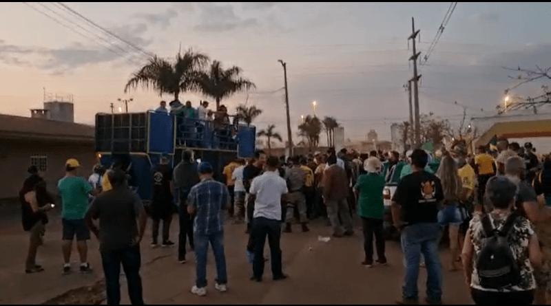 Grupos acampam em Brasília na véspera do dia 07 de Setembro
